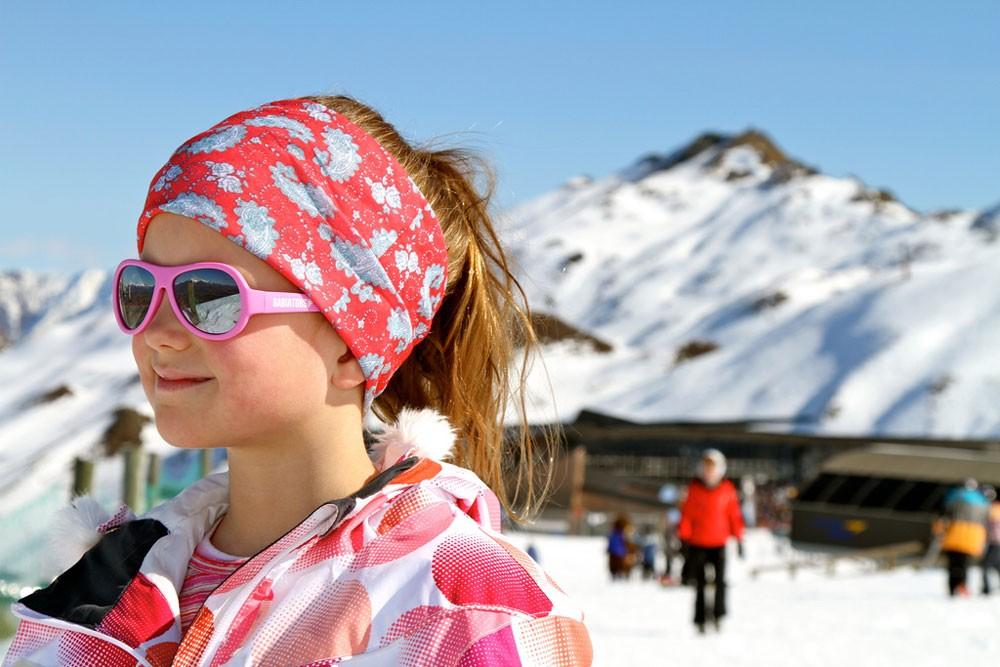 6c445d7403 Gafas de sol infantiles súper resistentes, montura 100% caucho, negros,  talla Classic (6 meses - 3 años). Brindan una máxima protección y se  encuentran muy ...